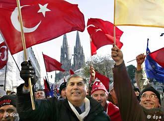 Waving the Turkish flag before Cologne's landmark cathedral