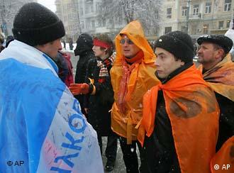 Not everyone in Ukraine waves orange flags for the opposition