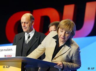 Patriotismo é associado à política de estrangeiros na última convenção dos democratas-cristãos