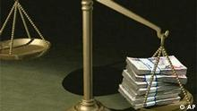 Grafik Geldbündel in Waage korruption Bestechnung Symbolbild mit Thumbnail