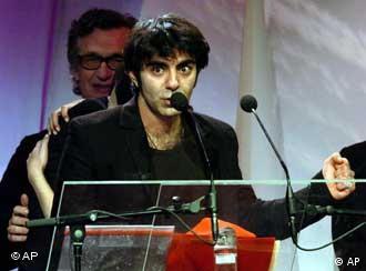 El cineasta turco-germano gana uno de los máximos galardones del cine europeo.