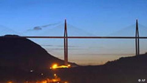 The Millau bridge opens for cars Thursday