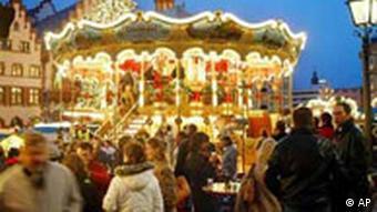 Karussell auf dem Weihnachtsmarkt in Frankfurt am Main