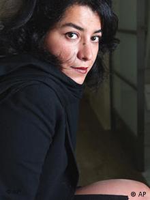 مرجان ساتراپی در سال ۲۰۰۳ در نیویورک