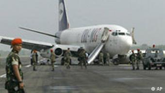 Boeing 737 Landebahn Banda Aceh