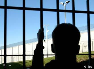 """Nixon Endorses Preventive Detention – No Bail for """"Dangerous"""" Offenders"""