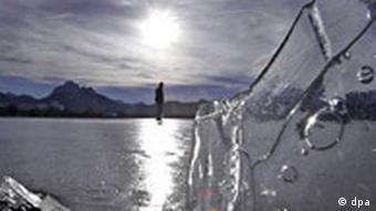 Eisläuferin im Sonnenschein