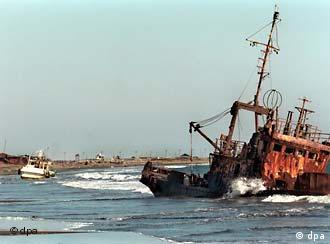 Schiffswrack vor der Küste der Kurileninsel Kunashiri