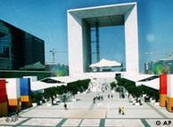 巴黎现代化建筑代表-拉德芳斯门