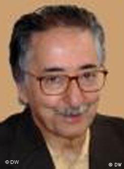 ابوالحسن بنیصدر:انقلاب ایران روش خشونت زدایی داشته و نه خشونت گرایی.