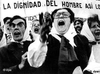Mütter der Plaza de Mayo: Fast 30 Jahre Kampf für die Gerechtigkeit