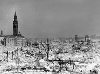 Varsóvia, completamente destruída em 1945