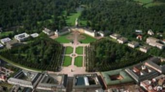 Karlsruhe Luftaufnahme Schloss mit Bundesverfassungsgericht