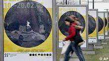 Plakat der Berlinale 2005 in Berlin mit Galeriebild