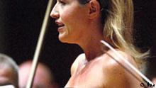 Die Geigerin Anne-Sophie Mutter (Archivfoto vom 01.09.2004) wurde am 13.02.2005 bei der Verleihung der 47. Grammy Awards in Los Angeles mit einem der hoch angesehenen Musikpreise in der Klassik-Kategorie als beste Instrumentalsolistin des Jahres 2004 ausgezeichnet. F oto: Urs Flüeler dpa +++(c) dpa - Bildfunk+++