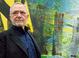 Gerhard Richter frente a Obra abstracta.