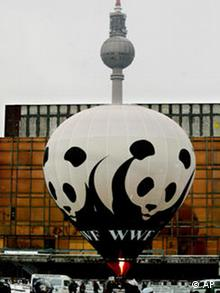 A hot air ballon with the WWF panda bear logo in Berlin