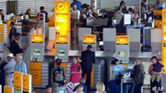 Flughafen Passagiere in Frankfurt