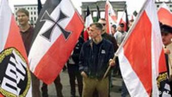 Archivbild: Neonazis in Berlin (Foto: AP)