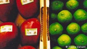 Brasilianische Biofrüchte Mango und Limetten bei der Biofach 2004