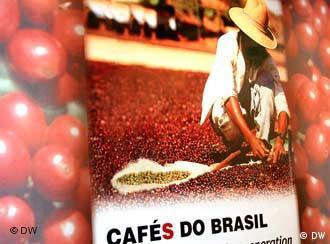 O dólar comercial opera em queda no mercado brasileiro.