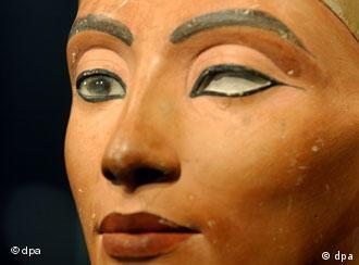 Nefertiti Biography