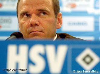Šef Uprave HSV-a, Bernd Hoffmann na konferenciji za novinaru u Hamburgu