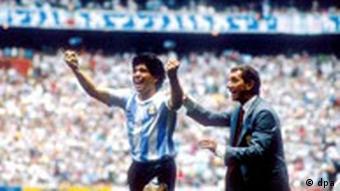 Fußball-WM '86: Maradona und Bilardo jubeln