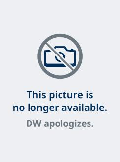 Titelbild des Juni-Playboy: 5 Spielerinnen in knappem dress (Foto: Playboy)