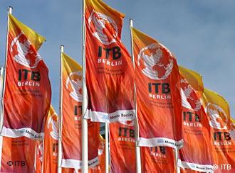 Die Flaggen der ITB in Berlin