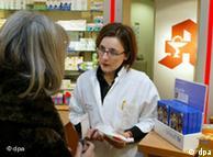 از سال ۲۰۰۹ در آلمان فروش بیش از ۲۰ قرص (هر کدام ۵۰۰ میلیگرم) پاراستامول در داروخانه ها ممنوع است
