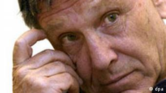 Israeli author Amos Oz