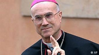 Kardinal Tcarciso Bertone gegen The Da Vinci Code - Sakrileg