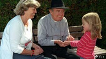 Baka i djed s unukom