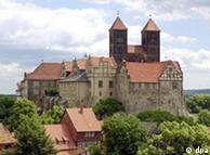 Mais de mil casas em enxaimel rodeiam o castelo de Quedlinburg, no estado da Saxônia-Anhalt