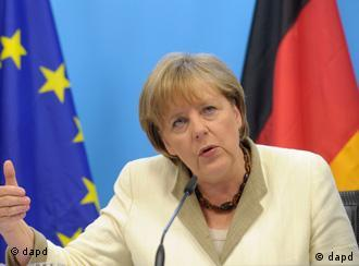 German Chancellor Angela Merkel speaks during a media conference after an EU summit of eurogroup members at the EU Council building in Brussels on Thursday, July 21, 2011. Eurozone leaders are moving closer to signing off on a second bailout for Greece but markets are fretting that any deal that emerges later Thursday may imply a Greek debt default after a plan to slap a tax on banks appears to have been shelved. (Foto:Geert Vanden Wijngaert/AP/dapd)