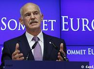 Greek Prime Minister George Papandreou speaks during a media conference after an EU summit of eurogroup members at the EU Council building in Brussels on Thursday, July 21, 2011. Eurozone leaders are moving closer to signing off on a second bailout for Greece but markets are fretting that any deal that emerges later Thursday may imply a Greek debt default after a plan to slap a tax on banks appears to have been shelved. (Foto:Virginia Mayo/AP/dapd)