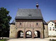 Монастырь в Лорше, один из старейших архитектурных памятников в Германии
