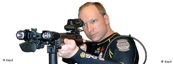 EDS NOTE: IMAGE HAS BEEN DIGITALLY ALTERED BY THE ORIGINAL SOURCE TO REMOVE THE BACKGROUND - This image shows Anders Behring Breivik from a manifesto attributed to him that was discovered Saturday, July 23, 2011. Breivik is a suspect in a bombing in Oslo and a shooting on a nearby island which occurred on Friday, July 22, 2011. The Norwegian news agency NTB said Breivik wrote a 1,500-page manifesto before the attack in which he attacked multiculturalism and Muslim immigration. The document, which contained this and other photos, also described how to acquire explosives. (Foto:via Scanpix/AP/dapd)