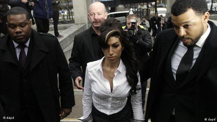 Amy Winehouse vor Gericht, 2010