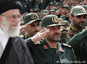 به اعتقاد رهبر ایران، هدف از اعمال تحریمها «جدایی مردم از حکومت» است