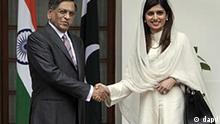 Indien Pakistan Außenministerin Hina Rabbani Khar besucht S.M. Krishna in New Delhi