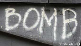 Grafitti Bombe auf Wand gesprayt Buchstaben