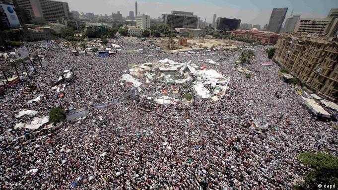 انقلاب مصر با حضور لایههای گسترده مردم به پیروزی رسید