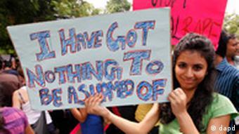 Demonstration gegen sexuelle Gewalt gegen Frauen Delhi Indien