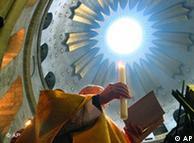 Procissão na basílica em Jerusalém