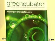 Плакат с эмблемой сети энергетических инноваций Greencubator <!--
