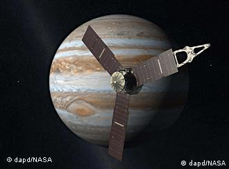 Artist's rendering depicts NASA's Juno spacecraft with Jupiter in the background