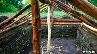 Для зведення хатинки використовувалися лише готські знаряддя