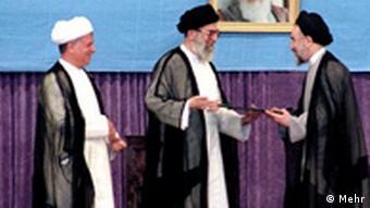 در این که آیا بدون رضایت علی خامنهای امکان نامزدی خاتمی یا هاشمی رفسنجانی در انتخابات وجود دارد، تردید وجود دارد
